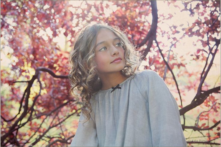 Léa P for Marilyn Tov - Dreamy - Dress EDITH gray with black bow - photo by Wanda Kujacz