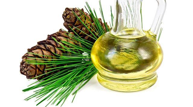 Le inalazioni a base di pino silvestre e i massaggi con olio di cedro depurano i tessuti e neutralizzano l'infiammazione che favorisce la cellulite