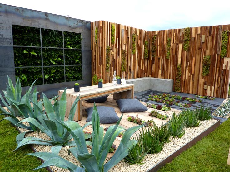 Would like to do a similar garden bed. Simple but effective.
