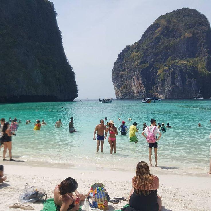 """Recuerdan la pelicula """"La Playa"""" de Leonardo Dicaprio... bueno desde que se hizo famosa ahora siempre esta llena de visitantes!!! by ftipiani"""