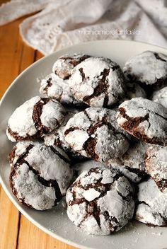 ricciarelli al cioccolato fondente - replace sugar with swerve