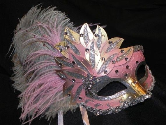 instead of working on my tm outline i am looking at beautiful masquerade masks on etsy