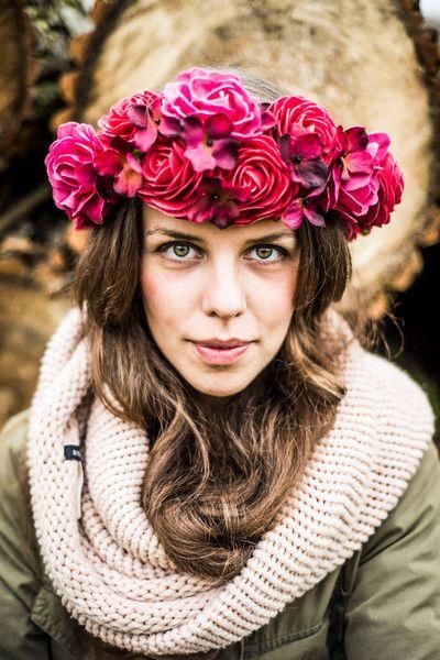 Fiori per capelli - ♥ Rose Rosse ♥ Diademi di fiori ♥ - un prodotto unico di LolaWhite su DaWanda