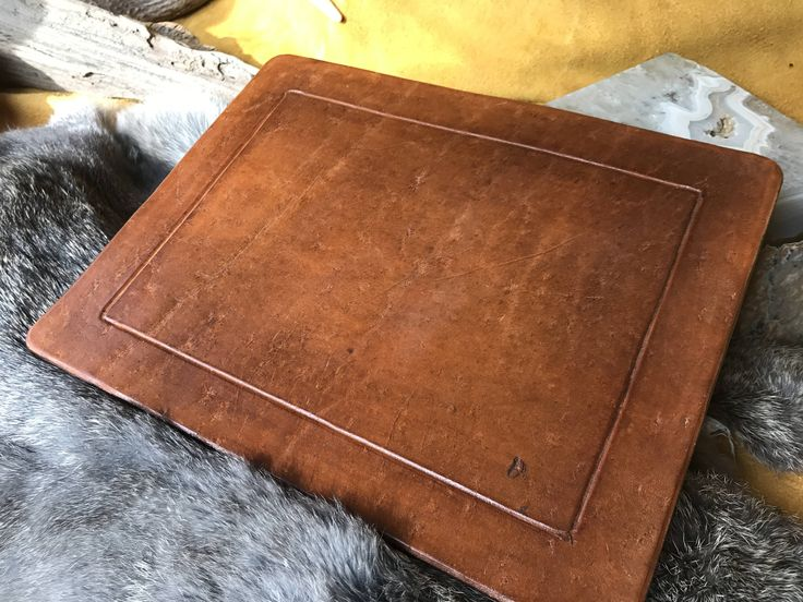Leather Mousepad by RavenHornLeather on Etsy https://www.etsy.com/ca/listing/550732568/leather-mousepad