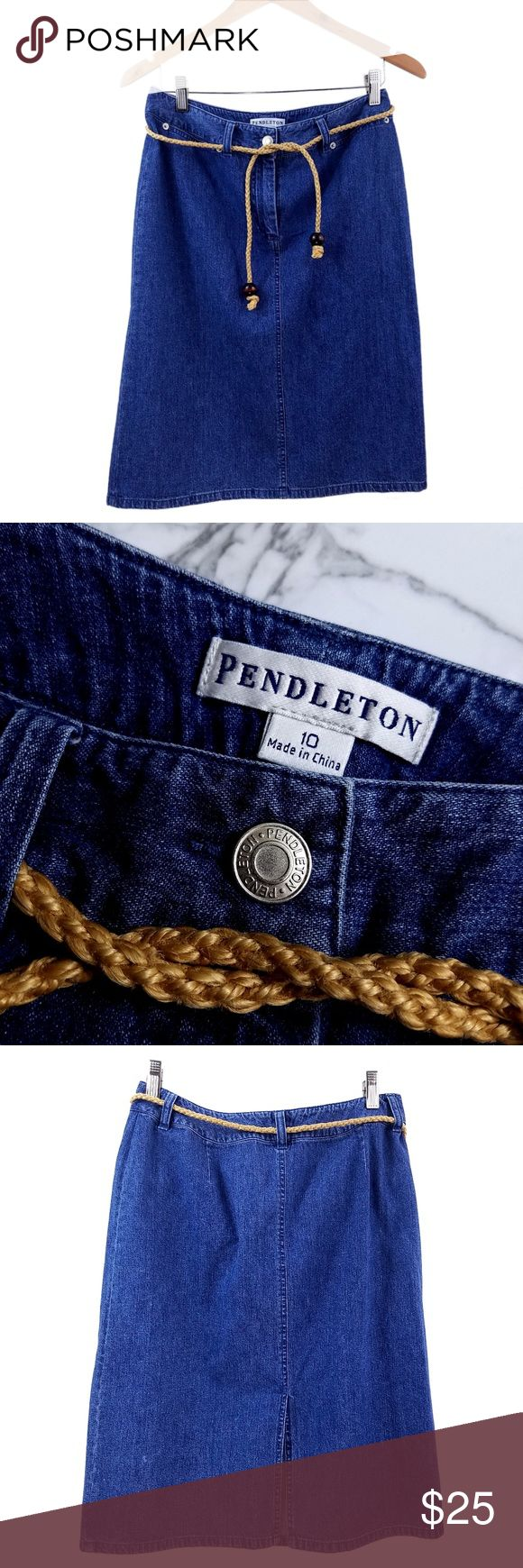"""Vintage Pendleton Denim Jean Skirt with Belt 10 Brand. Pendleton  Size. Women's 10   Waist (All the way around) 30"""" Hips (Fullest part all the way around) 38"""" Length 22 3/4""""  Materials 100% COTTON  //Comes with Rope Belt Shown Pendleton Skirts"""
