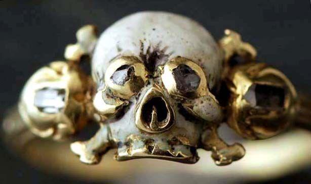 Memento mori anneau du 17ème siècle