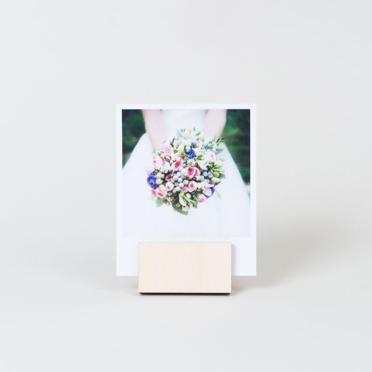Krásné fotky + dřevěný stojánek. #wedding #photoalbum #love #two #couple #vyvolejto #photo #album