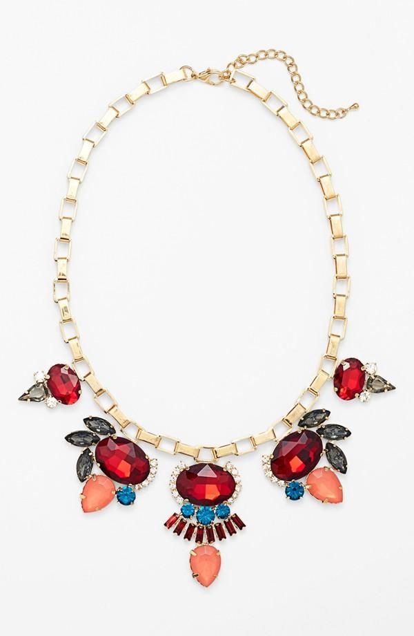 Love this statement necklace