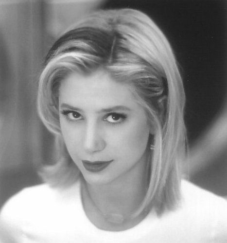 Mira Sorvino in Romy and Michele's High School Reunion (1997) #chickflicks