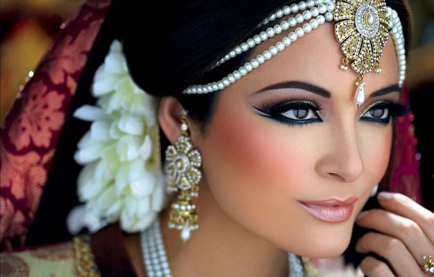 South Asian Wedding Makeup Looks   Look like a South Asian princess on your wedding day with this bridal makeup look. #YoureSoPretty www.youresopretty.com
