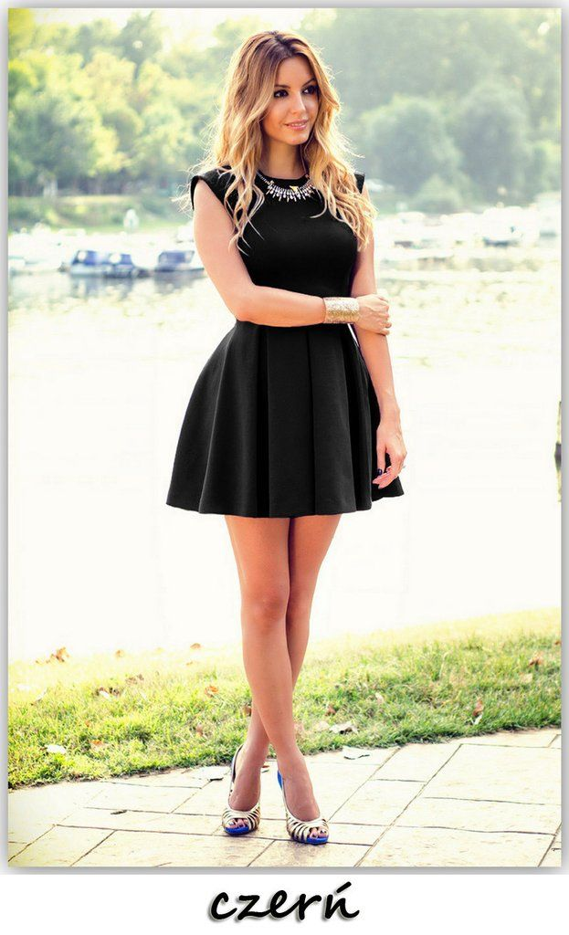 Scoop Sleeveless A-line Solid Short Dress