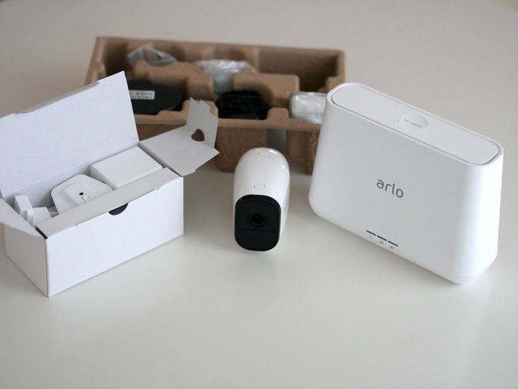 Eine Überwachungskamera ohne Steckdose einsetzen? Die WLAN-Überwachungskamera Netgear Arlo Pro mit Akku im Test https://www.housecontrollers.de/hausueberwachung/netgear-arlo-pro-test-ueberwachungskamera-akku/