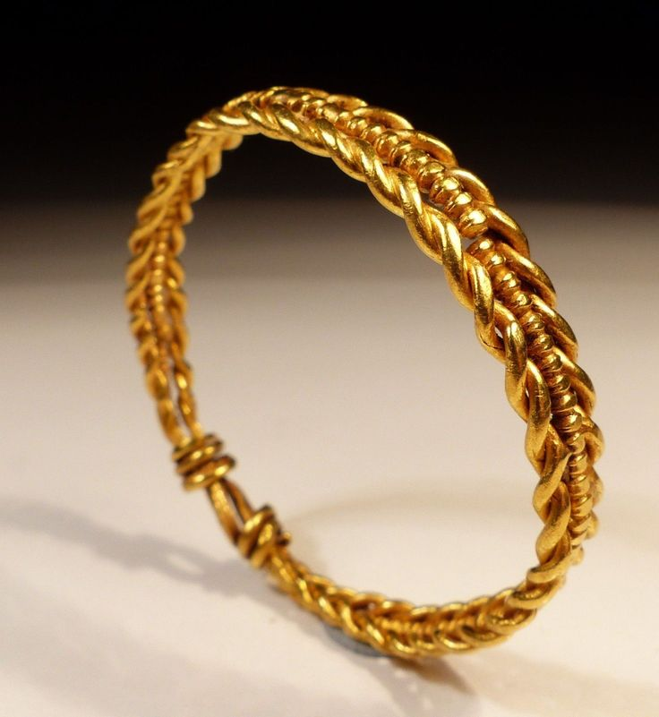Roman  Gold Hair Ring, with twisted gold strands, extremely rare to find in this proportion.  Dating to the 1st/2nd Century AD.