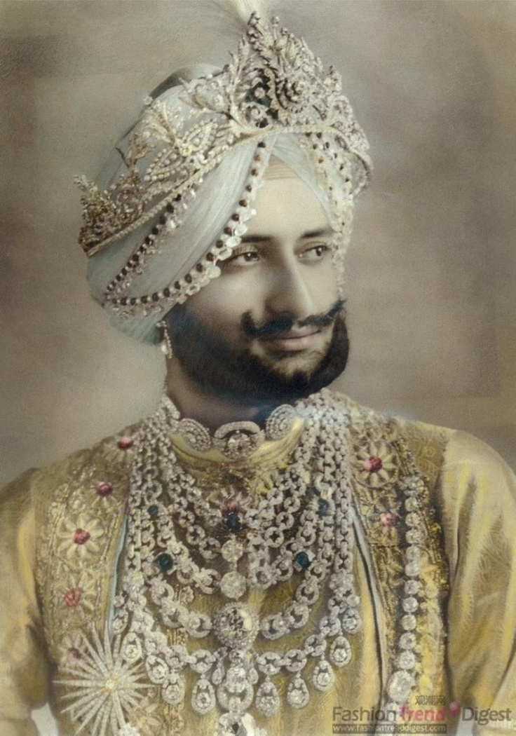 We love those portraits! Showing wealth by wearing expensive silks and jewellery. Yadavindra Singh, Maharaja of Patiala