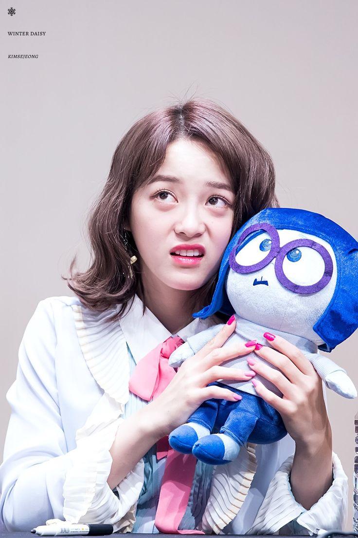 170305 - Kim Sejeong @ Ilsan Fansign Event (cr. WinterDaisY1204)