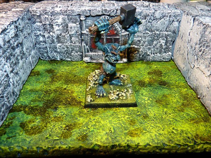 Marauder Troll MM40 : with Hammer.