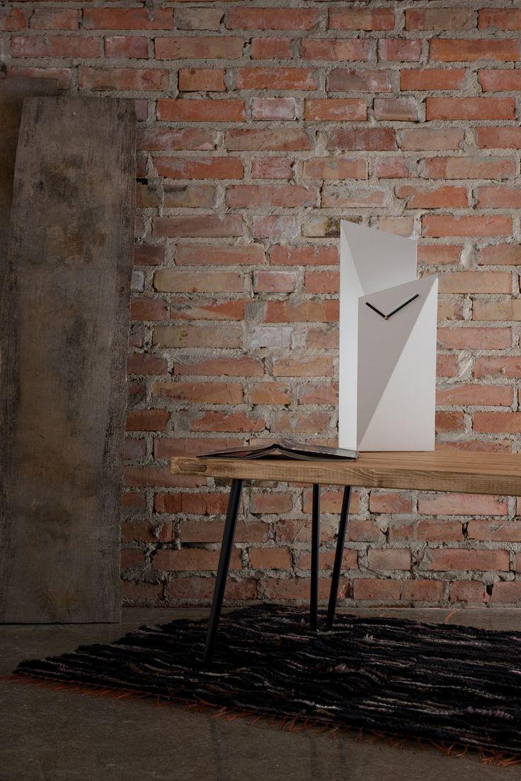 White design table clock Gie El Home