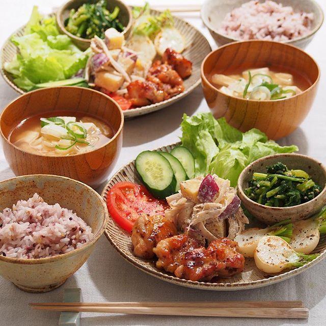 2016/1/29 金 #晩ごはん ・ ✳︎ハニーマスタードチキン ✳︎かぶのグリル ✳︎かぶの葉の胡麻和え ✳︎さつまいもとごぼうと胡桃のクリチサラダ ✳︎豆腐のお味噌汁 ・ 今夜はワンプレートで☺️ ・ 義実家からもらったかぶをシンプルにグリルに。 こりゃ美味しい〜 ・