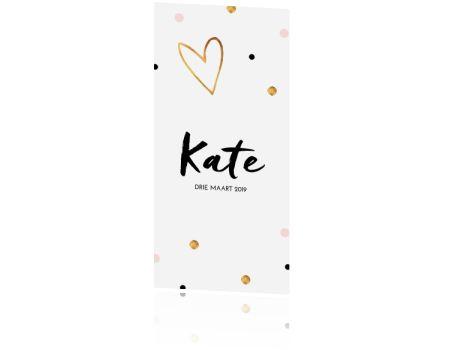 Mooi clean en trendy design met gouden hart en subtiel wat confetti. Mooi op parelmoer papier en super gaaf om wat confetti zwart en roze mee te sturen in de envelop. Maakt het meteen wat stoerder.