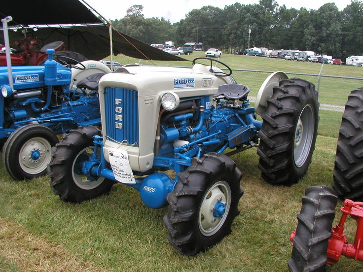 Ford 4000 Plow : Ford with aftermarket elenco wheel drive