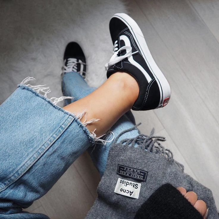 Sneakers women - Vans Old Skool (©honeybelleworldblog)