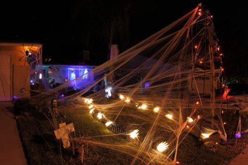 awesome halloween yard decorations 16 Admit it, great Halloween yard displays make you feel all warm inside (24 Photos)