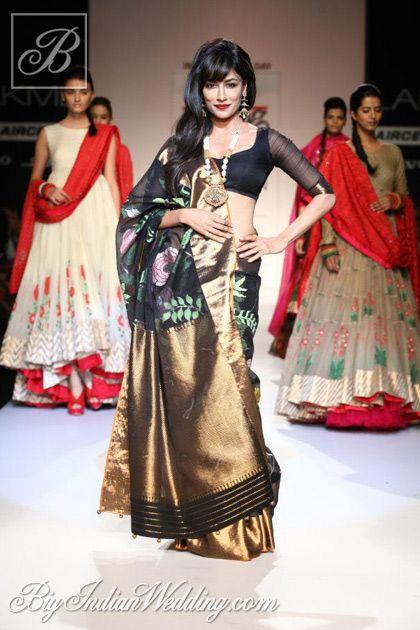 Chitrangada Singh in a Gaurang Shah saree at LFW 2013