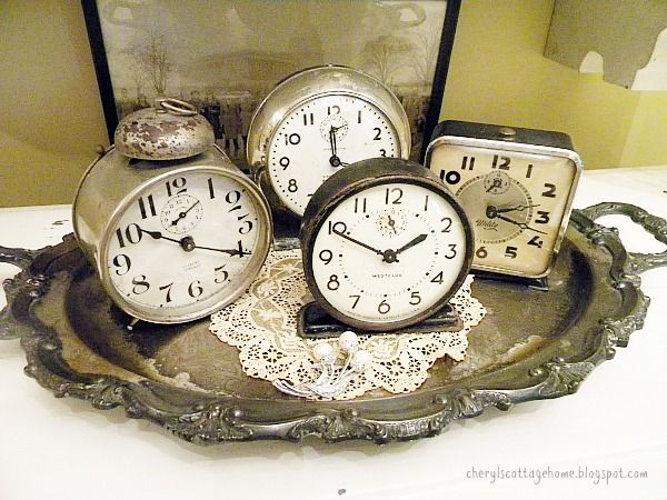 Festive and Frugal Ways to Decorate for New Year's Eve - decorate for New Year's Eve with old clock!