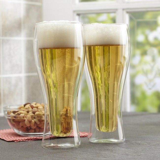 What's better than a cold beer on a hot day? A cold beer served in a double wall pilsner glass. Insulating double wall construction keeps the beer cold for longer.