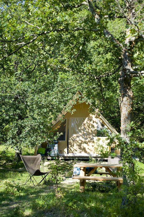 Canadienne au camping Huttopia de Dieulefit @Huttopia/R. Etienne  #nature #france