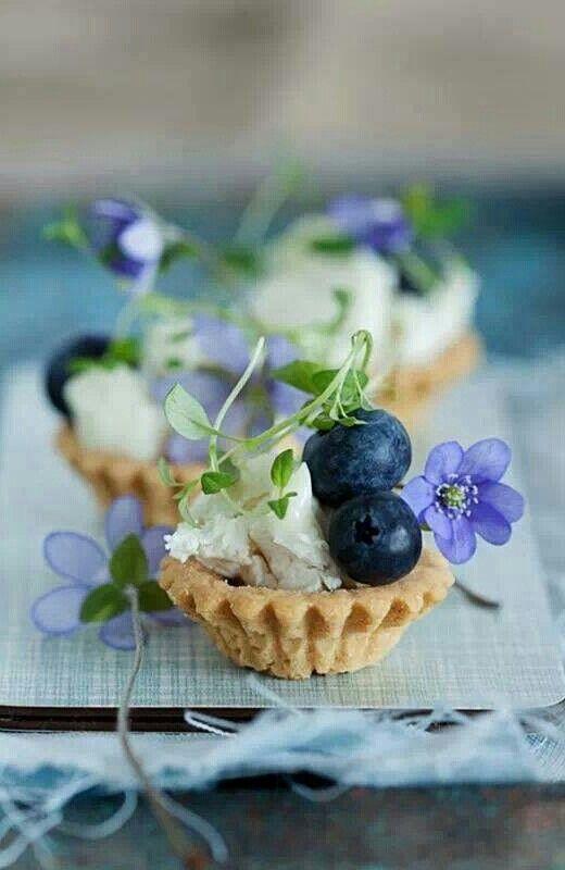 Blueberries & violets