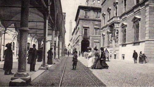 Strada Maggiore ai primi del 900.