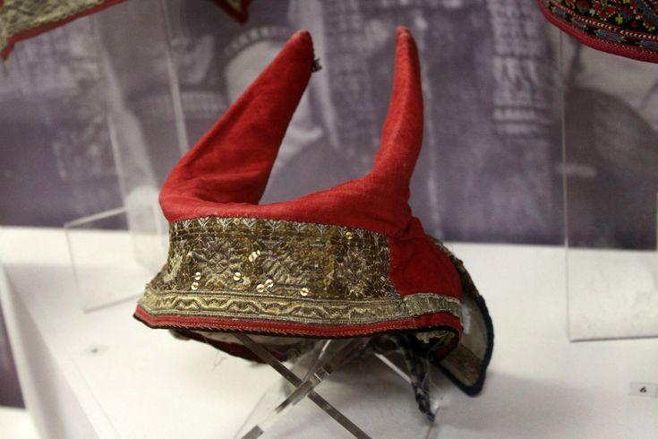Из коллекции РЭМ. Кичка рогатая - головной убор мо