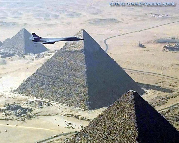 B-1 bomber over the Pyramids