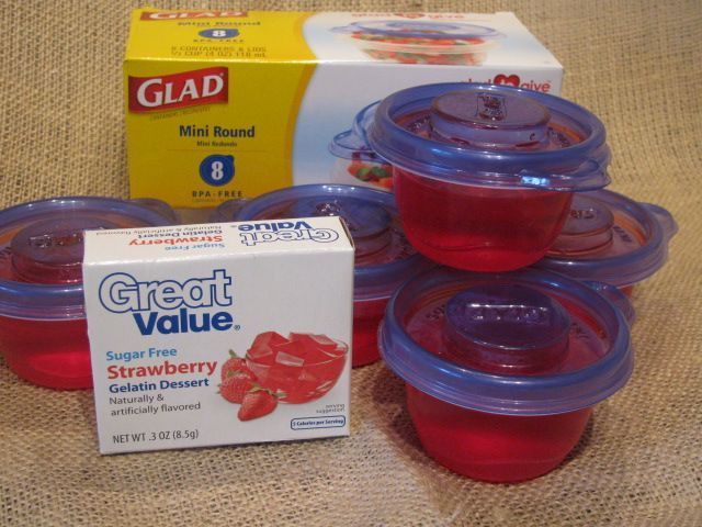 I've been doing this for years.  The little Fullers love Jello in their lunchboxes!