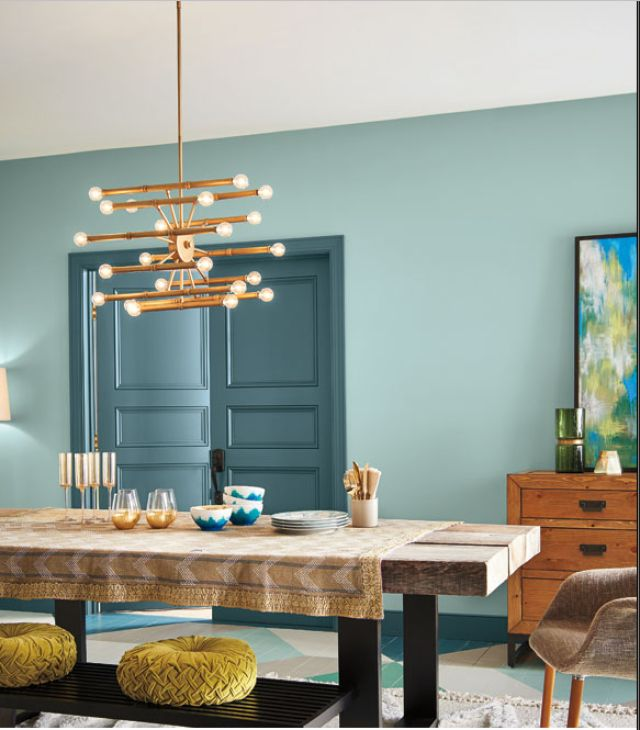 Add some color to your home with this color and style guide for the most popular color combinations for indoor decorating. Learn how to combine unexpected bold colors for a composed space that does not overwhelm.