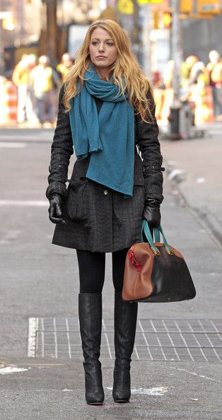 """Style,  Blake Lively spotted on the set on """"Gossip Girl"""" on Lower East side of Manhattan, wearing an alligator skin print coat and ugg boots."""