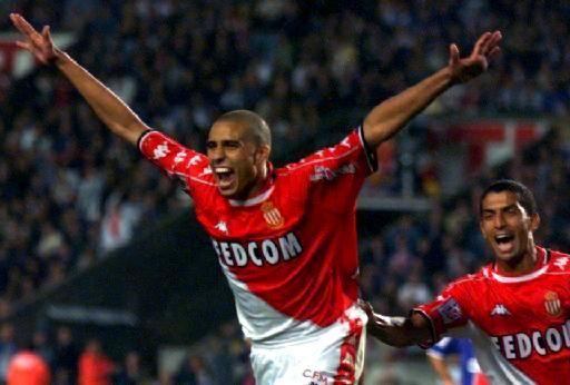 25 septembre 1999, Parc des Princes (Paris). 64e minute : David Trezeguet exécute Bernard Lama sur penalty et ouvre la voie d'un confortable succès (0-3).