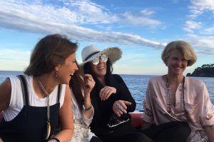 Полина Киценко и Шер продолжают веселиться в Италии http://womenbox.net/stars/polina-kicenko-i-sher-prodolzhayut-veselitsya-v-italii/    Хроника   Полина Киценко и Шер продолжают веселиться в Италии         Лиза Сезонова        812    22 июня 2016, 17:56  Шер и Полина Киценко