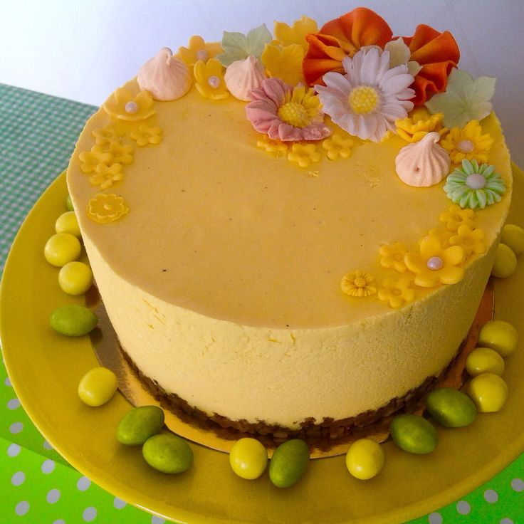 Mango-passion moussecake