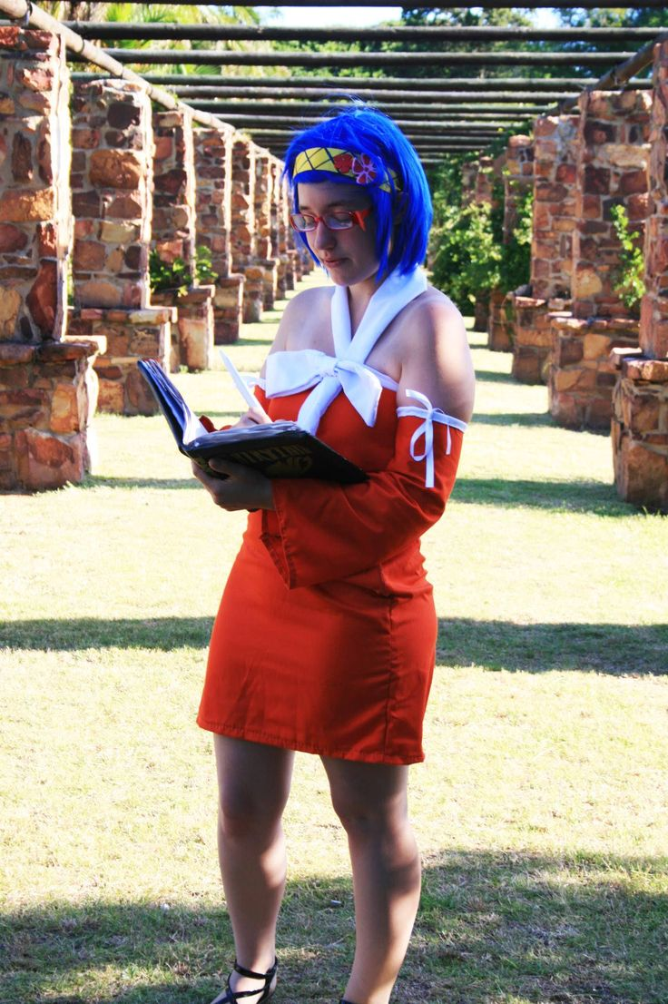 Levy McGarden which I debuted at KINCON 2013 and wore in January 2014 to cosplay with a couple of my bunchkins in Port Elizabeth