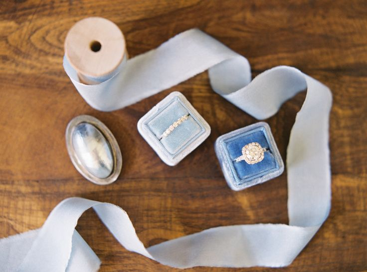 Photography : Jessica Burke Read More on SMP: http://www.stylemepretty.com/2015/08/31/shades-of-blue-santa-barbara-wedding/