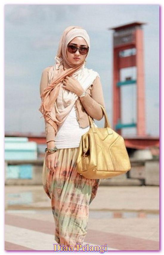 Indonesian designer Dian Pelangi Muslim women Hijab Fashion 2013