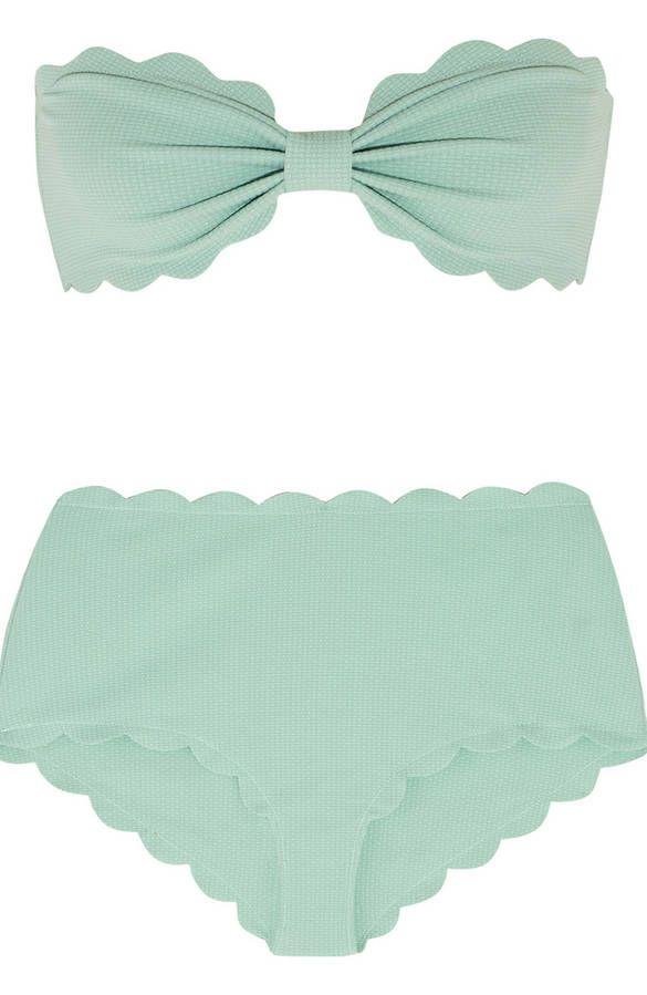 Maillot de bain bandeau vert d'eau deux pièces Marysia. Grande culotte montante et contour cranté. Style retro vintage