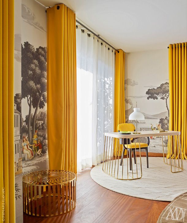Old World wallpaper in Modern interior, neutral colors with pop of yellow #floortoceilingdrapes