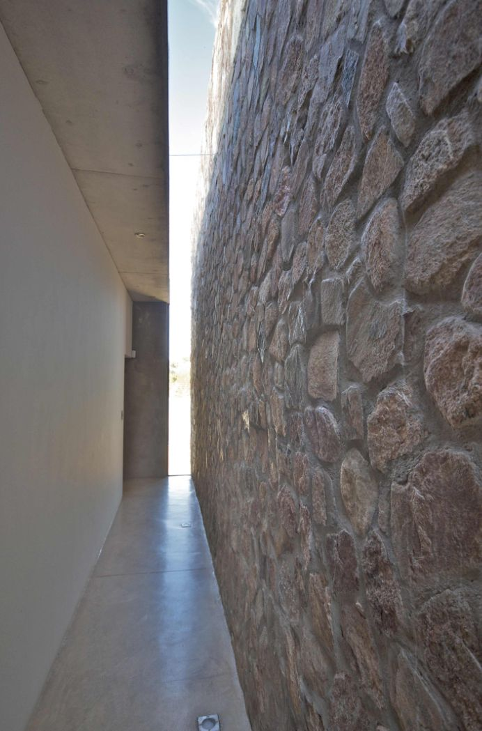 Thomas Gouws Architects - House Kleynhans Passage Stone wall with skylight