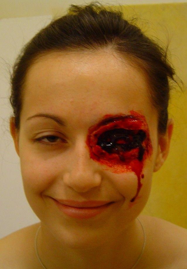 maquillage zombie oeil creve