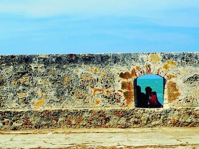 no4「Cartagena」 ③Along the coast (海岸沿い) 「コロンビアでもっとも美しい港街のひとつ」と言われるだけあって、眺めは素晴らしい。 #VIEW#ElMundo#Redox.#カルタヘナ#コロンビア#旅#旅行#1人旅#風景#景観#カメラ#写真 #写真撮ってる人と繋がりたい #写真好きな人と繋がりたい#一眼レフ#刺激#参加還元#刺激の共有場
