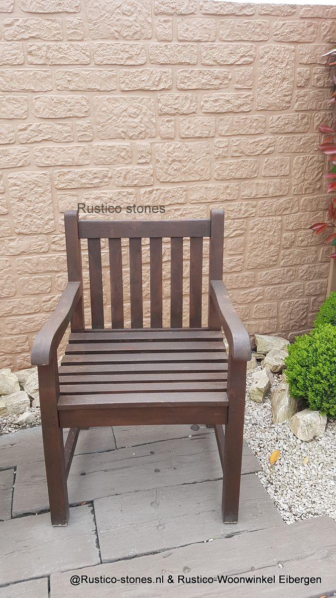 Garden rustieke planken, steenstrip, tuin grind, Brocante stoel. Rustico woonwinkel Eibergen