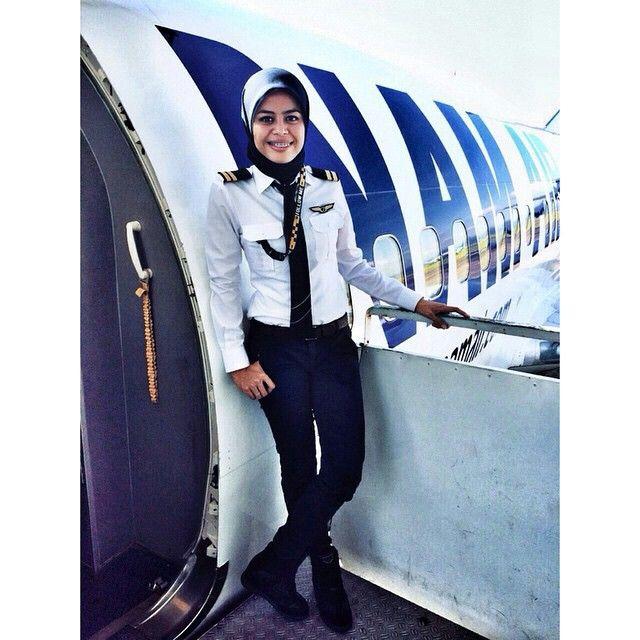 NAM Air B737 Pilot @gie1301